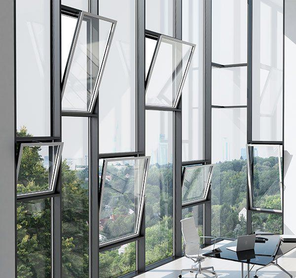 Raum mit Alu Fenstern